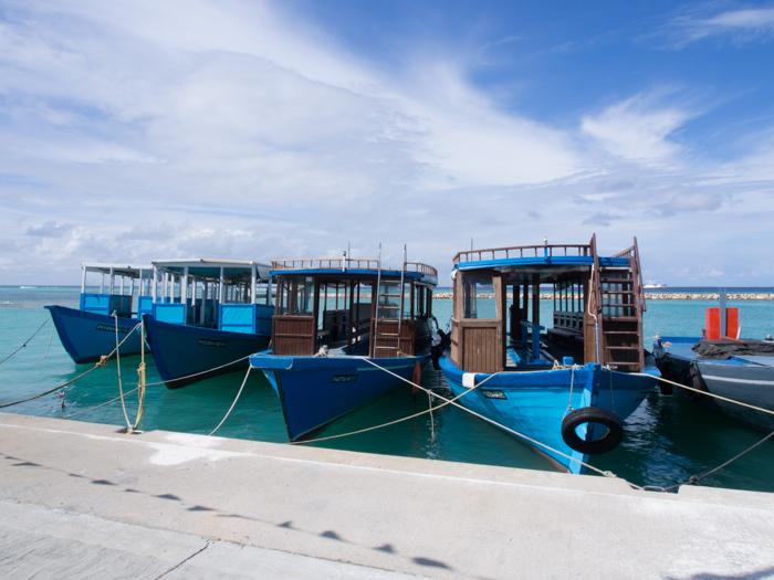 dhoni-maldives-diving-guide