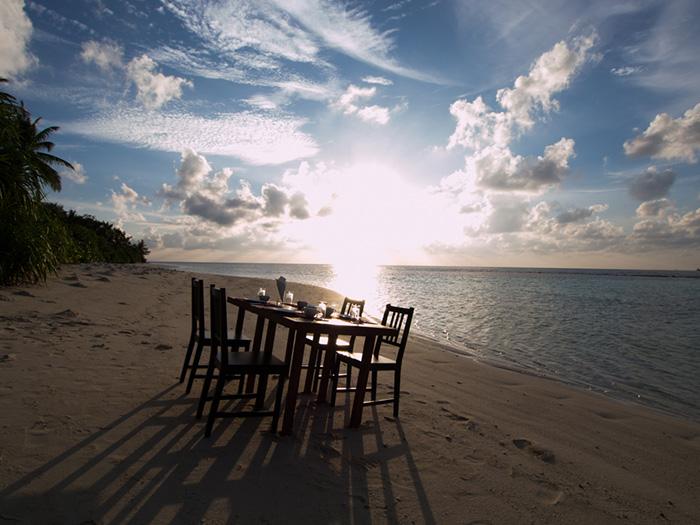 resort-diving-in-the-maldives-vaavu-atoll-oceanic-village-4