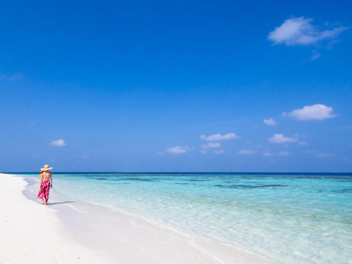white-sandy-beach-maldives-diving-guide
